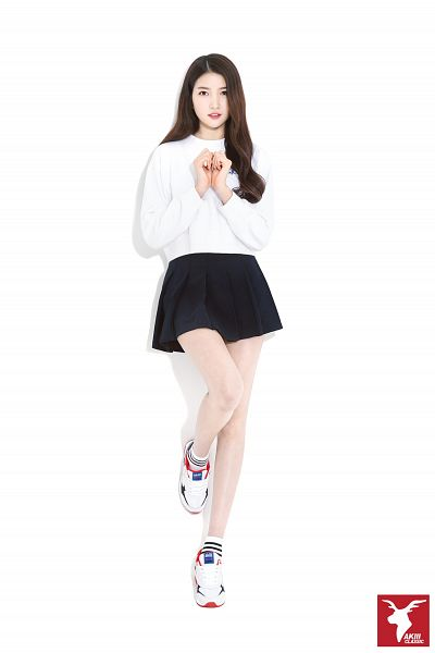 Tags: K-Pop, G-friend, Sowon, Black Skirt, Skirt, Light Background, Serious, White Background, Full Body, Sneakers, Shoes, Android/iPhone Wallpaper