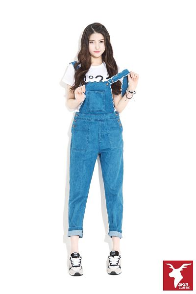 Tags: K-Pop, G-friend, Sowon, Overalls, Shoes, Sneakers, Bracelet, Light Background, Blue Outfit, White Background, Short Sleeves, Full Body