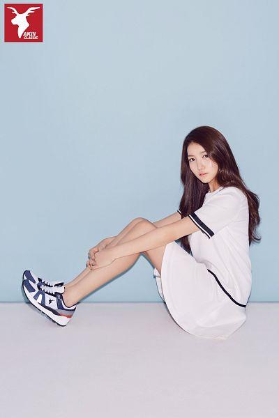 Tags: K-Pop, G-friend, Sowon, Simple Background, Skirt, Blue Background