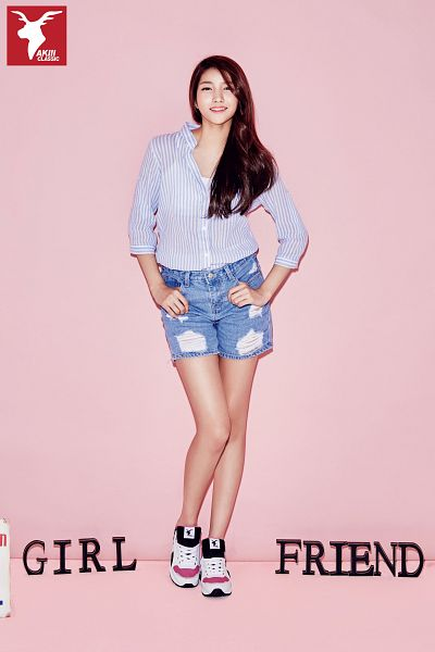 Tags: K-Pop, G-friend, Sowon, Shoes, Pink Background, Shorts, Jeans, Denim Shorts, Sneakers, Blue Shorts, Striped Shirt, Striped