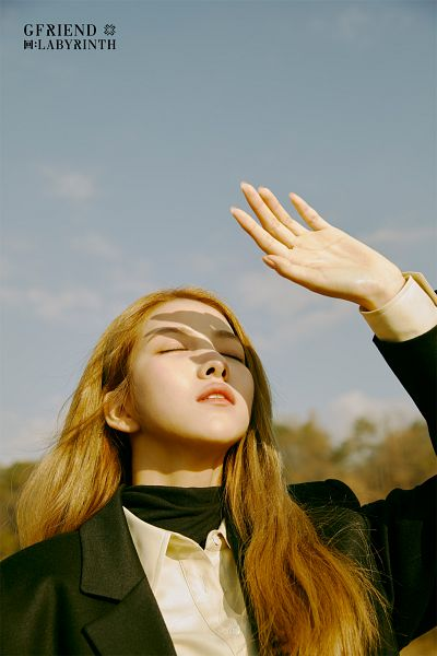 Tags: K-Pop, G-friend, Sowon, One Arm Up, Sky, Black Jacket, Black Outerwear, Eyes Closed, Serious