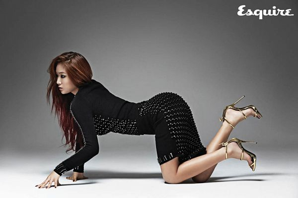 Tags: Sistar, Soyou, Black Background, High Heels, Text: Magazine Name, Sexy Pose, Crawling, Suggestive, Gold Footwear, Black Outfit, Dark Background, Black Dress