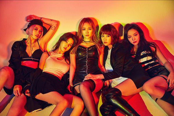 Tags: K-Pop, Spica, Park Narae, Yang Jiwon, Sihyun, Black Skirt, Bare Shoulders, Kim Bohyung, Hat, Tattoo, Blonde Hair, Bare Legs