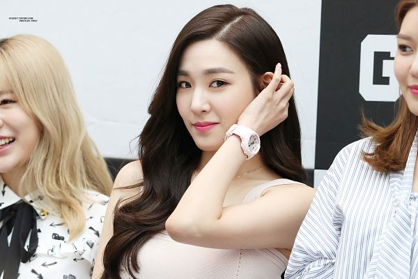 Tags: K-Pop, Girls' Generation, Stephanie Young Hwang, Wallpaper