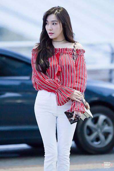 Tags: K-Pop, Girls' Generation, Stephanie Young Hwang, Mobile Wallpaper