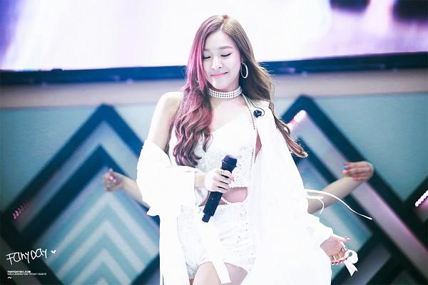 Tags: K-Pop, Girls' Generation, Stephanie Young Hwang, Wallpaper