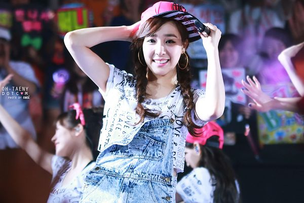 Tags: K-Pop, Girls' Generation, Stephanie Young Hwang, Twin Tails, Hand On Hat, Hat, Overalls, Wallpaper, Oh-taeny, Girls' Generation Japan Tour