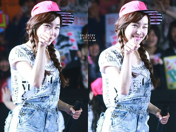 Tags: K-Pop, Girls' Generation, Stephanie Young Hwang, Hat, Pointing, Wink, Overalls, Twin Tails, Oh-taeny, Girls' Generation Japan Tour