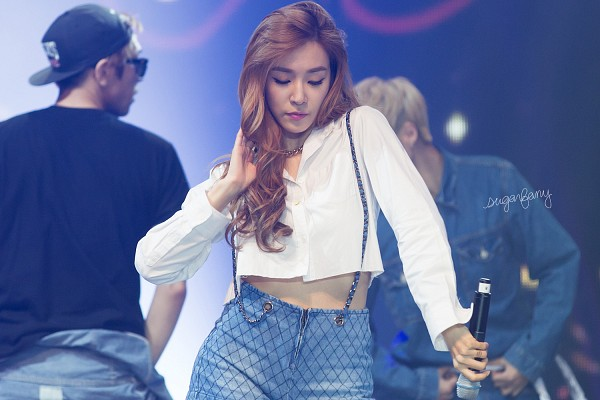 Tags: K-Pop, Girls' Generation, Holler, Stephanie Young Hwang, Shorts, Blue Shorts, Hand In Hair, Eyes Closed, Checkered, Blue Background, Checkered Shorts, Wavy Hair
