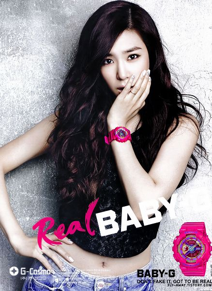 Tags: K-Pop, Girls' Generation, Stephanie Young Hwang, Text: Brand Name, Jeans, Watch, Sleeveless Shirt, Nail Polish, Midriff, Denim Shorts, Hand On Hip, Gray Background