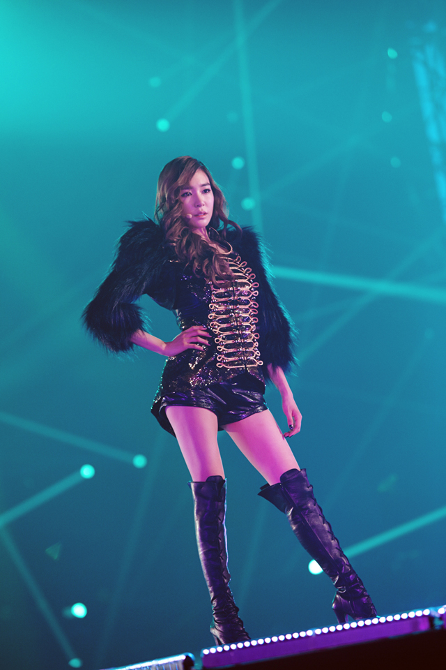 Tags: K-Pop, Girls' Generation, Stephanie Young Hwang, Shoes, Black Footwear, Microphone, Leather Shorts, Hand On Hip, Black Shorts, Boots, Black Jacket, Black Outerwear