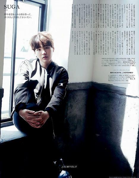 Tags: K-Pop, BTS, Suga, Black Pants, Black Eyes, Serious, Gray Shirt, Window, Japanese Text, Magazine Scan, Anan Magazine