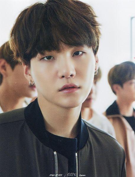 Tags: K-Pop, BTS, Suga, Black Eyes, Gray Shirt, Close Up, Anan Magazine, Magazine Scan