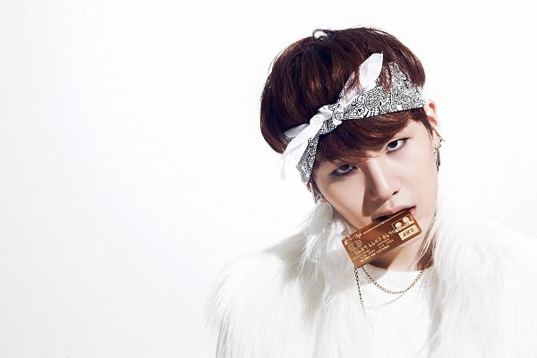 Tags: K-Pop, Bangtan Boys, Suga, White Background, Necklace, White Headwear, White Outfit, Bandana, Light Background, O!RUL82?