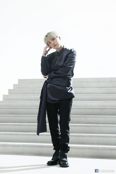 Tags: K-Pop, BTS, Suga, Text: URL, Light Background, Hand On Head, Black Outfit, Text: Artist Name, White Background, Head Tilt, Black Pants, Stairs