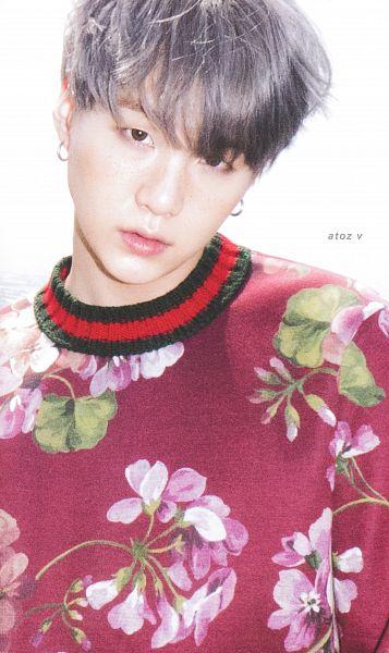Tags: K-Pop, BTS, Suga, Head Tilt, Day, Floral Print, Sweater, Outdoors, Close Up, Facial Mark, Wind, Gray Hair