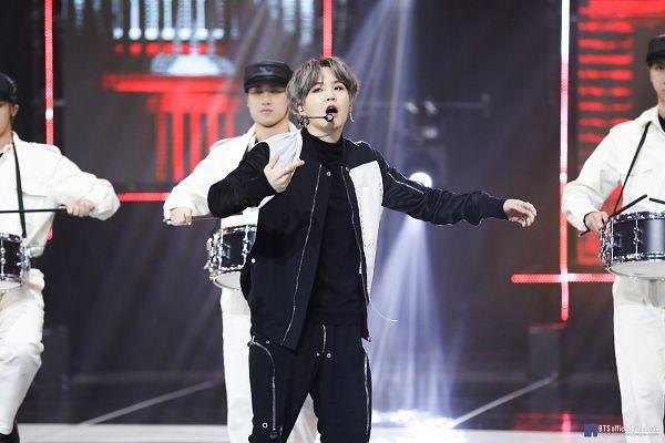Tags: K-Pop, Television Show, BTS, ON, Suga, Quartet, Singing, Spotlight, Earbuds, Ring, Four Males, Stick