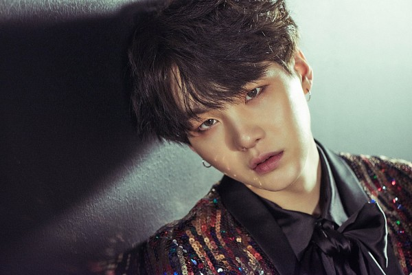 Tags: K-Pop, BTS, Suga, Leaning On Wall, Leaning Back, Close Up, Wallpaper