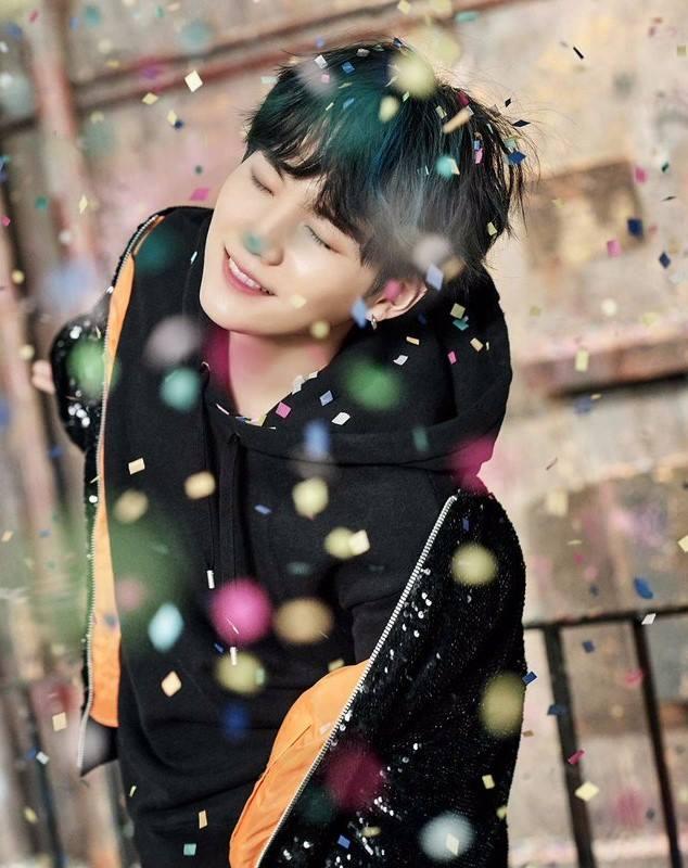 Tags: K-Pop, Bangtan Boys, Suga, Short Hair, Confetti, You Never Walk Alone