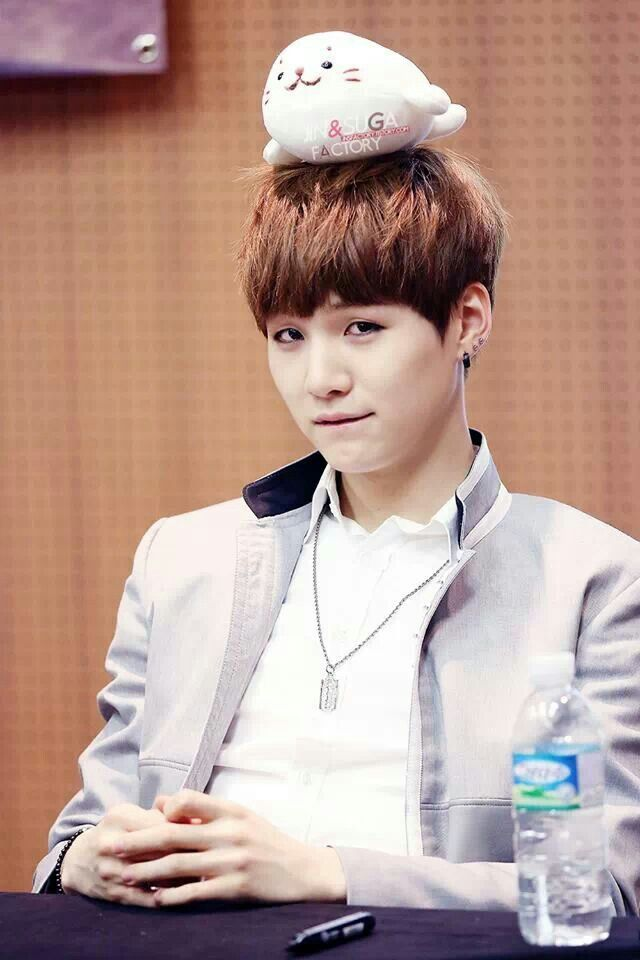 Tags: K-Pop, BTS, Suga, Stuffed Toy, Bottle, Stuffed Animal, Black Eyes, Water, Pen, Necklace