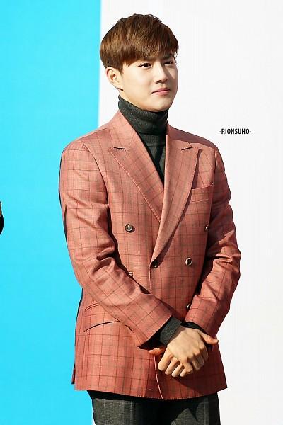 Tags: K-Pop, SM Town, EXO, EXO-K, Suho, Turtleneck, Bangs, Collar (Clothes), Suit, Mobile Wallpaper