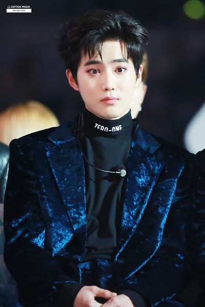 Tags: K-Pop, EXO, SM Town, Suho, Suit, Hair Up