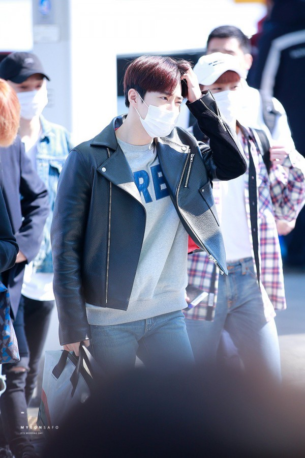 Tags: K-Pop, EXO, SM Town, EXO-K, Suho, Airport