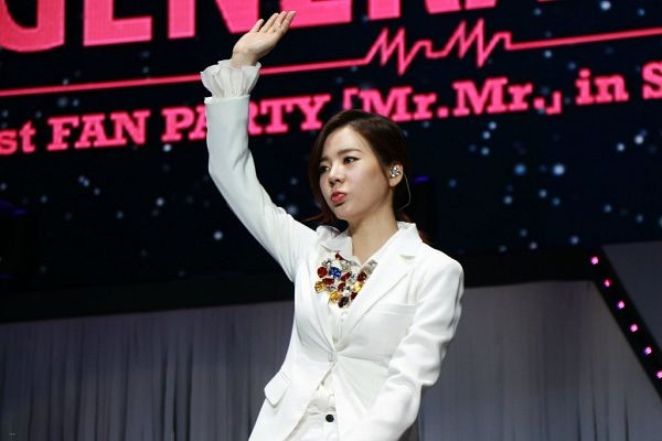 Tags: K-Pop, Girls' Generation, Mr.Mr., Sunny, Necklace, Looking Ahead, White Outfit, White Jacket, Text: Song Title, White Outerwear, Dark Background, Black Background