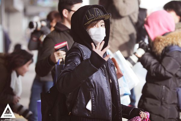 Tags: K-Pop, Girls' Generation, Sunny, Mask, Hoodie, Wave, Face Mask, Hood, Hat, Covering Mouth, Hood Up, Wallpaper