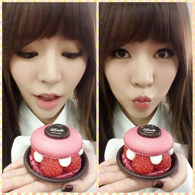 Tags: K-Pop, Girls' Generation, Sunny, Strawberry, Sweets, Eyes Half Closed, Fruits, Macaron, Instagram