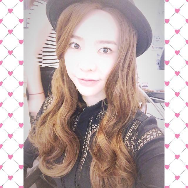 Tags: K-Pop, Girls' Generation, Sunny, Black Headwear, Instagram