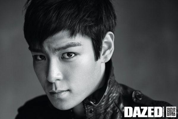 Tags: K-Pop, BIGBANG, T.O.P., Gray Background, Leather Jacket, Black Eyes, Monochrome, Dazed & Confused Korea, Magazine Scan, Wallpaper