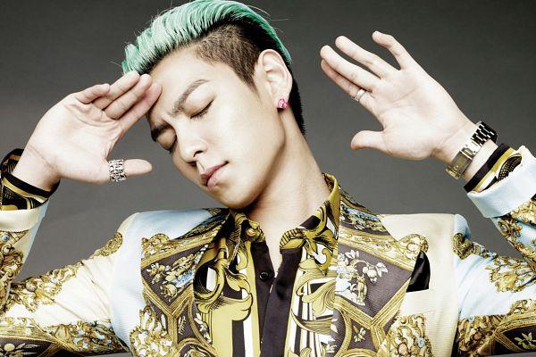 Tags: K-Pop, BIGBANG, T.O.P., Ring, Eyes Closed, Gray Background, Bracelet, Green Hair, Gold Jacket, Alive