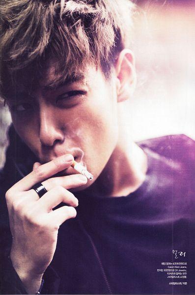 Tags: K-Pop, BIGBANG, T.O.P., Korean Text, Smoking, Ring, Looking Away, Magazine Scan, Scan