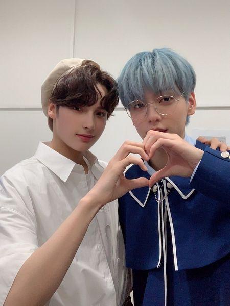 Tags: K-Pop, TXT, Huening Kai, Soobin (TXT), Blue Hair, Glasses, Heart Gesture, Duo