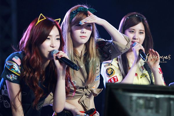 Tags: Girls' Generation, TaeTiSeo, Stephanie Young Hwang, Kim Tae-yeon, Seohyun