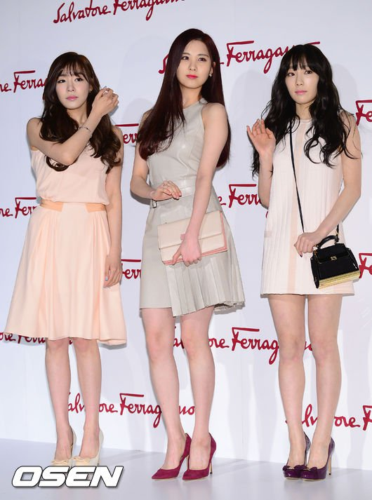 Tags: TaeTiSeo, Seohyun, Stephanie Young Hwang, Kim Tae-yeon, White Dress, Brown Outfit, Pink Dress, Bag, Purple Footwear, White Footwear, Pink Outfit, White Outfit
