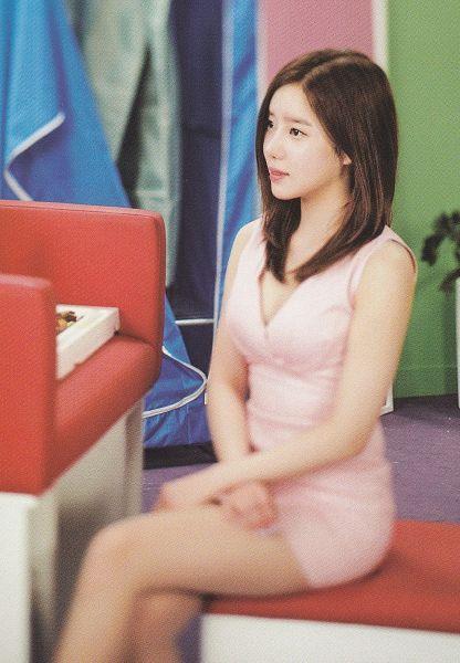 Tags: K-Pop, Berry Good, Bibbidi Bobbidi Boo, Taeha, Suggestive, Crossed Legs, Cleavage, Pink Outfit, Medium Hair, Armchair, Pink Dress, Chair
