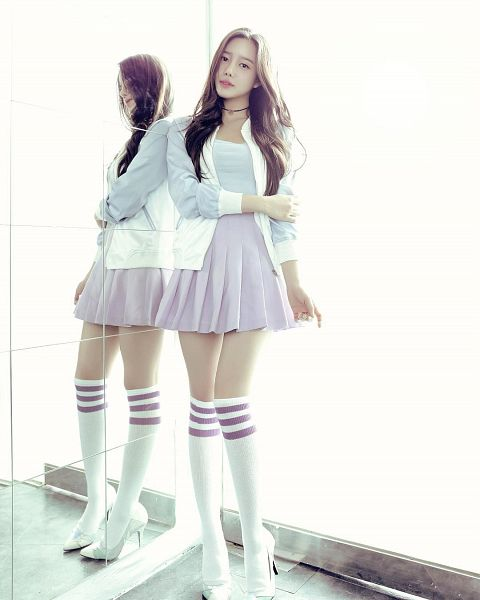 Tags: K-Pop, Berry Good, Taeha, Glass, Mirror, Reflection, Android/iPhone Wallpaper, Very Berry