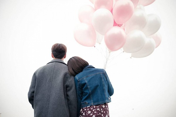 Tags: K-Pop, K-Drama, Red Velvet, Lee Hyun-woo, Joy, Couple, Balloons, Duo, The Liar and His Lover