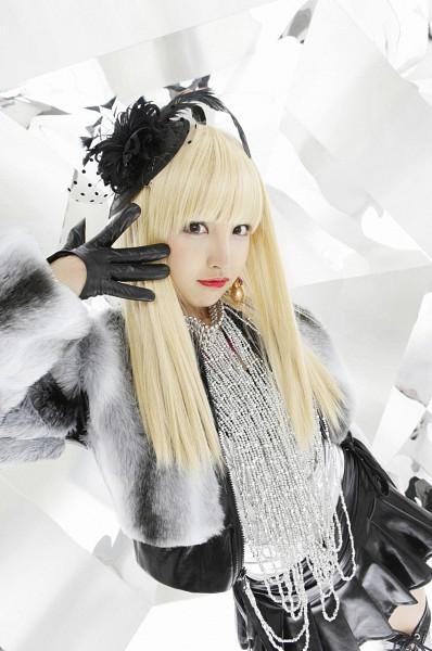 Tags: AKB48, Tomomi Itano, Make Up, Gloves, Hat