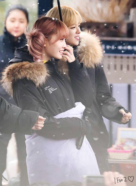Tags: K-Pop, Twice, Yoo Jeongyeon, Hirai Momo, Twin Tails, Two Girls, Matching Outfit, Umbrella, Side View, Blanket, Duo, Snow