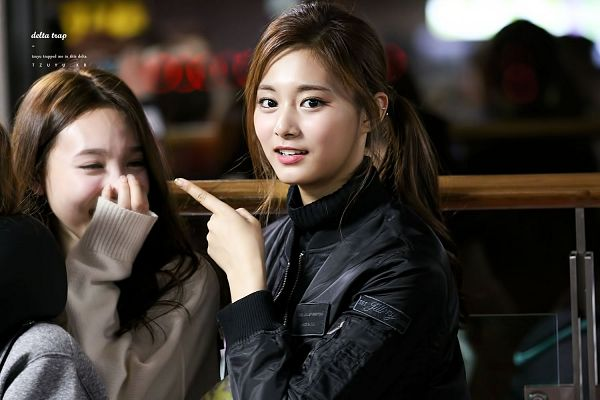 Tags: JYP Entertainment, K-Pop, Twice, Son Chaeyoung, Tzuyu, Wallpaper