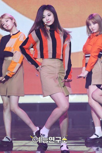 Tags: JYP Entertainment, K-Pop, Twice, Yoo Jeongyeon, Hirai Momo, Tzuyu