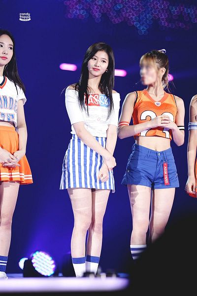 Tags: K-Pop, Twice, JYP Entertainment, Minatozaki Sana, Im Nayeon, Hirai Momo