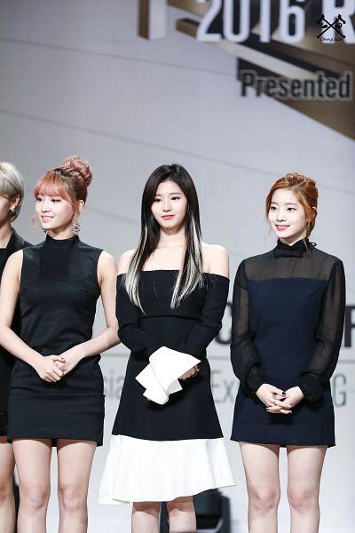 Tags: JYP Entertainment, K-Pop, Twice, Kim Dahyun, Hirai Momo, Minatozaki Sana, Hair Up, Looking Away, Bare Legs, Light Background, Three Girls, White Background