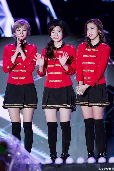 Tags: K-Pop, Twice, Kim Dahyun, Myoui Mina, Yoo Jeongyeon, Skirt, Three Girls, Matching Outfit, Pleated Skirt, Black Legwear, Looking Away, Bare Legs