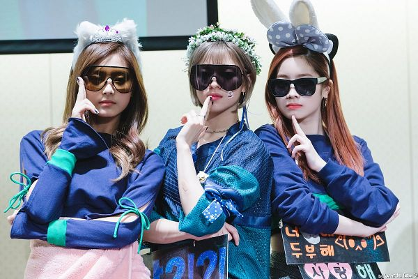 Tags: K-Pop, Twice, Tzuyu, Yoo Jeongyeon, Kim Dahyun