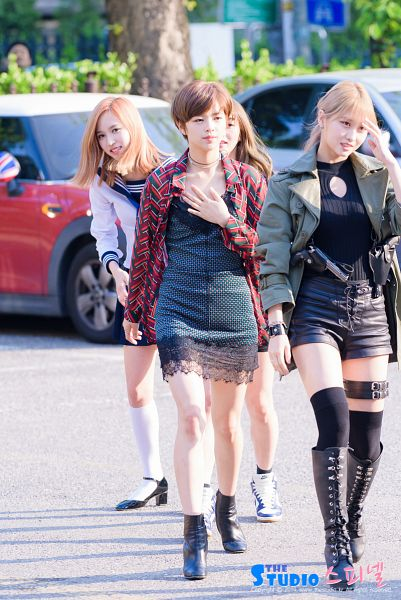 Tags: K-Pop, Twice, JYP Entertainment, Yoo Jeongyeon, Myoui Mina, Hirai Momo