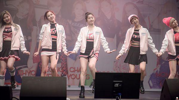 Tags: K-Pop, JYP Entertainment, Twice, Myoui Mina, Hirai Momo, Yoo Jeongyeon
